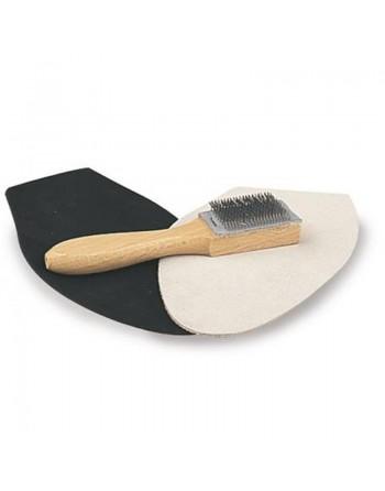 Kartáč na čištění podrážky z broušené kůže